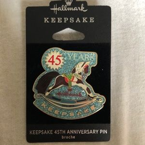 Hallmark 45th Anniversary Pin new